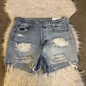 NWT American Eagle 90s boyfriend jean shorts
